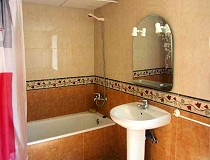 Holiday apartment: bathroom Photos: Holiday apartments, accommodation, pool, Benidorm